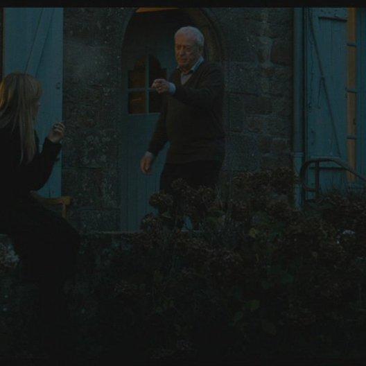 Matthew spricht mit Pauline über seine Familie und den Tod seiner Frau (englisch) - Szene Poster