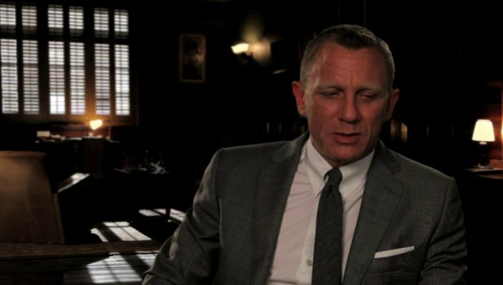 Daniel Craig über den Look des Films - OV-Interview Poster