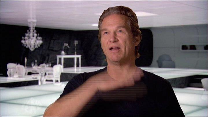 Jeff Bridges - Kevin Flynn - Clu - über die Spiele im Film - OV-Interview Poster