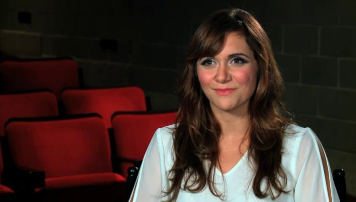Alyson Stoner über die unterschiedlichen Tänzer im Film - OV-Interview Poster
