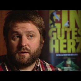 Dagur Kári über die Bedeutung der Bar - OV-Interview Poster