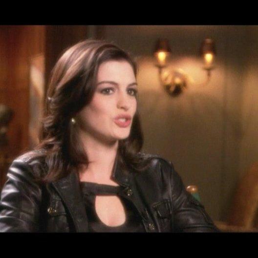 Interview mit Anne Hathaway (Agentin 99) - OV-Interview Poster