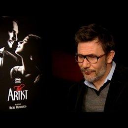 Michel Hazanavicius - Regisseur - über Dreharbeiten in Hollywood - OV-Interview Poster