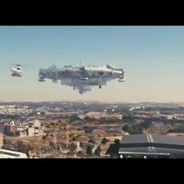 EXKLUSIV: Die Ankunft der Aliens im riesigen Raumschiff! (engl.) - Szene Poster