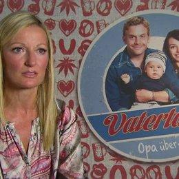 Monika Gruber -Thea- über Klischees - Interview Poster