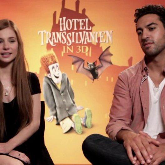 Elyas und Josefine über Mavis Reisewunsch - Interview Poster