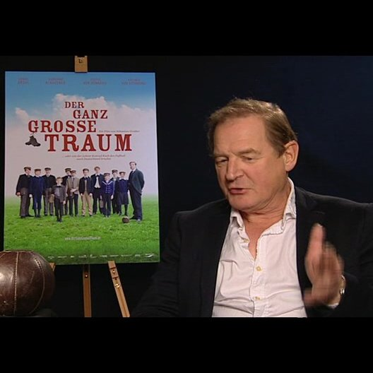 Burghart Klaussner (Gustav Merfeld) über Fussball - Interview Poster