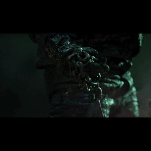 Johnny Blaze wird zum Ghost Rider und versucht, Nadya und ihren Sohn aus den Fängen des Bösen zu befreien - Szene Poster
