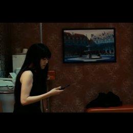 Ryu bricht den Kontakt zu ihrem Auftraggeber ab - Szene Poster
