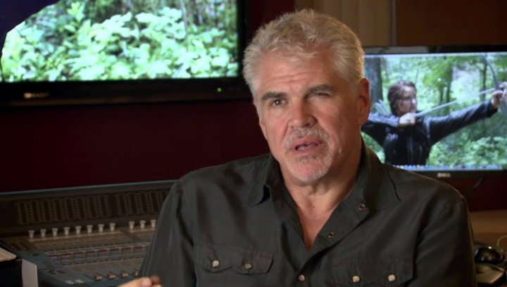 GARY ROSS -Regisseur- über den Beginn der Hungerspiele - OV-Interview Poster