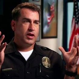 Rob Riggle über den Film - OV-Interview Poster