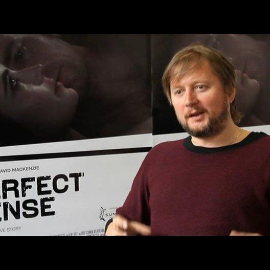 David Mackenzie -Regisseur- über die Umsetzung der Sinne - OV-Interview Poster