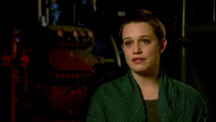 Daniella Kertesz - Segen - über ihre Rolle - OV-Interview Poster