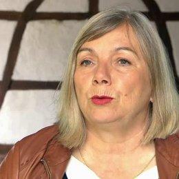 Uschi Reich - Produzentin - darüber warum sie den Stoff gerne machen wollte - Interview Poster