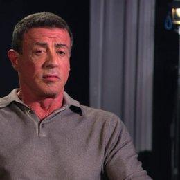 Sylvester Stallone - Drehbuch, Produzent - über das, was die Zuschauer erwartet - OV-Interview Poster