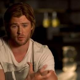 Chris Hemsworth - Thor über Thors Handlungsbogen im Film - OV-Interview Poster
