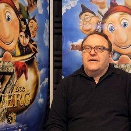 Gustav Peter Wöhler über die Zwerge 3 - Interview Poster