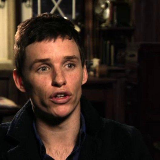 Eddie Redmayne über die Rolle Stephen Hawking - OV-Interview Poster