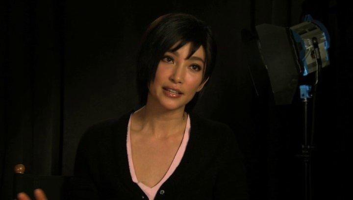 Li BingBing über ihre Begeisterung Ada Wong zu spielen - OV-Interview Poster