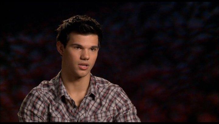 Taylor Lautner (Jacob Black) - darüber was die Zuschaür erwartet - OV-Interview Poster