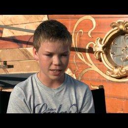 Will Poulter über die außergewöhnliche Größe der Morgenröte - OV-Interview Poster