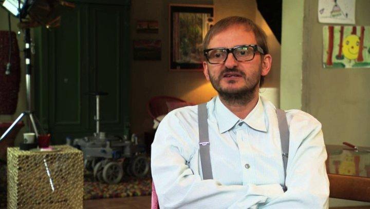 Milan Peschel über die zwei Hauptdarsteller - Interview Poster