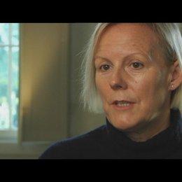 PHILLIDA LLOYD - Regisseurin - über die Reaktionen des Teams auf MERYL STREEP als Margaret Thatcher - OV-Interview Poster