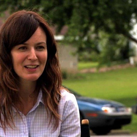 Rosemarie DeWitt über das was die Zuschauer erwarten können - OV-Interview Poster