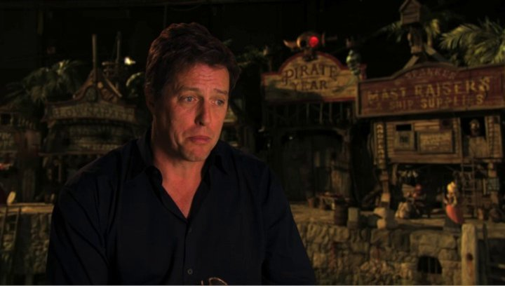 Hugh Grant über den Humor des Films - OV-Interview Poster