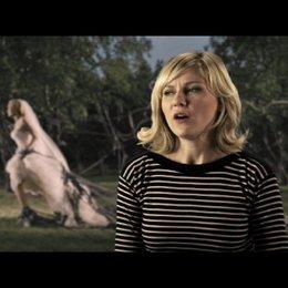 Kirsten Dunst über Justines Entwicklung im Film - OV-Interview Poster