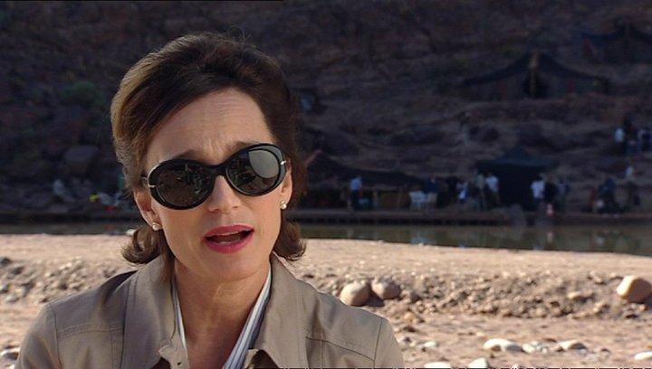 Krstin Scott Thomas - Patricia Maxwell über ihre Rolle 2 - OV-Interview Poster