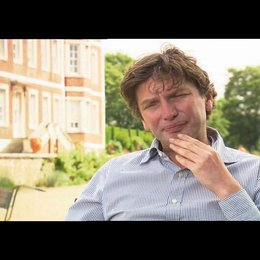 Andrew Macdonald über Mark Romanek - OV-Interview Poster