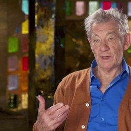 Ian McKellen - Magneto - darüber, was ihn an den X-Men Filmen Interessiert - OV-Interview Poster
