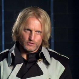 Woody Harrelson - Haymitch Abernathy - über den Spaß am Set - OV-Interview Poster