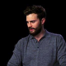 Jamie Dornan über das Thema Liebe im Film - OV-Interview Poster