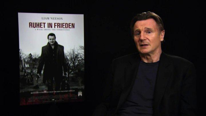 Liam Neeson über seine Vorliebe für einsame Helden - OV-Interview Poster