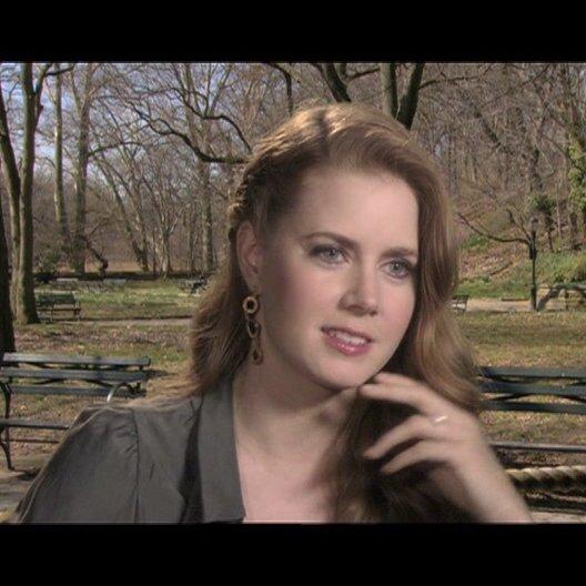Amy Adams - über Nervenzusammenbrüche - OV-Interview Poster