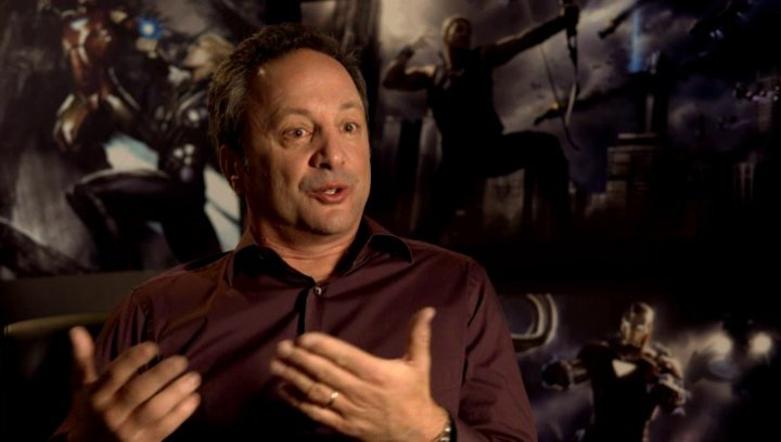 Louis D Esposito - Ausführender Produzent über die Besetzung der Rollen - OV-Interview Poster