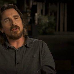 Christian Bale über die phänomenalen Sets - OV-Interview Poster