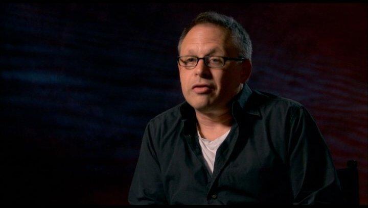 Bill Condon (Regisseur) - über die Herausforderung bei der Umsetzung des Films - OV-Interview Poster