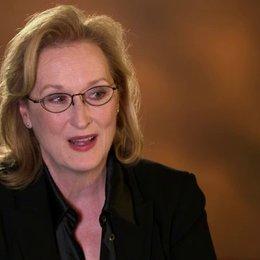Meryl Streep - Violet Weston -  über die Besetzung - OV-Interview Poster
