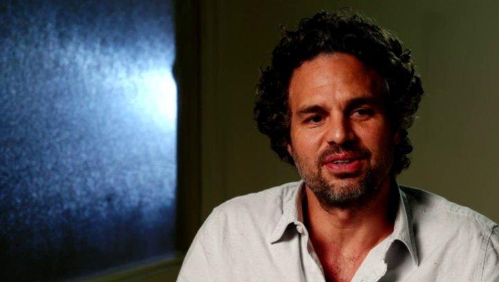 Mark Ruffalo - Dan - über die Geschichte - OV-Interview Poster