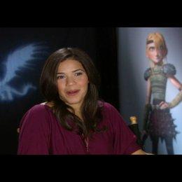 """AMERICA FERRERA - """"Astrid"""" (Original-Stimme) über Astrid als Vorbild für andere Mädchen - OV-Interview Poster"""