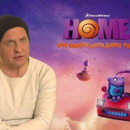 Uwe Ochsenknecht - Captain Smek - über die Story - Interview Poster