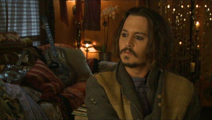 Johnny Depp (Frank Tupelo) darüber was die Zuschauer erwartet - OV-Interview Poster