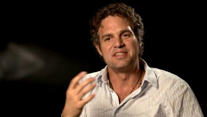 Marc Ruffalo - Bruce Banner - The Hulk über die Arbeit mit Robert Downey Jr - OV-Interview Poster