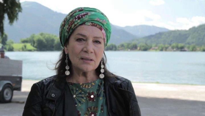 Hannelore Elsner über die Arbeit mit Doris Dörrie - Interview Poster