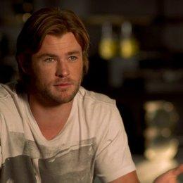 Chris Hemsworth - Thor warum Thor zurück zur Erde kommt - OV-Interview Poster