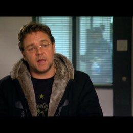 Russel Crowe (John Brennan) über Drehen in Pittsburgh - OV-Interview Poster
