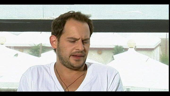 Moritz Bleibtreu über Gangster Filme - OV-Interview Poster